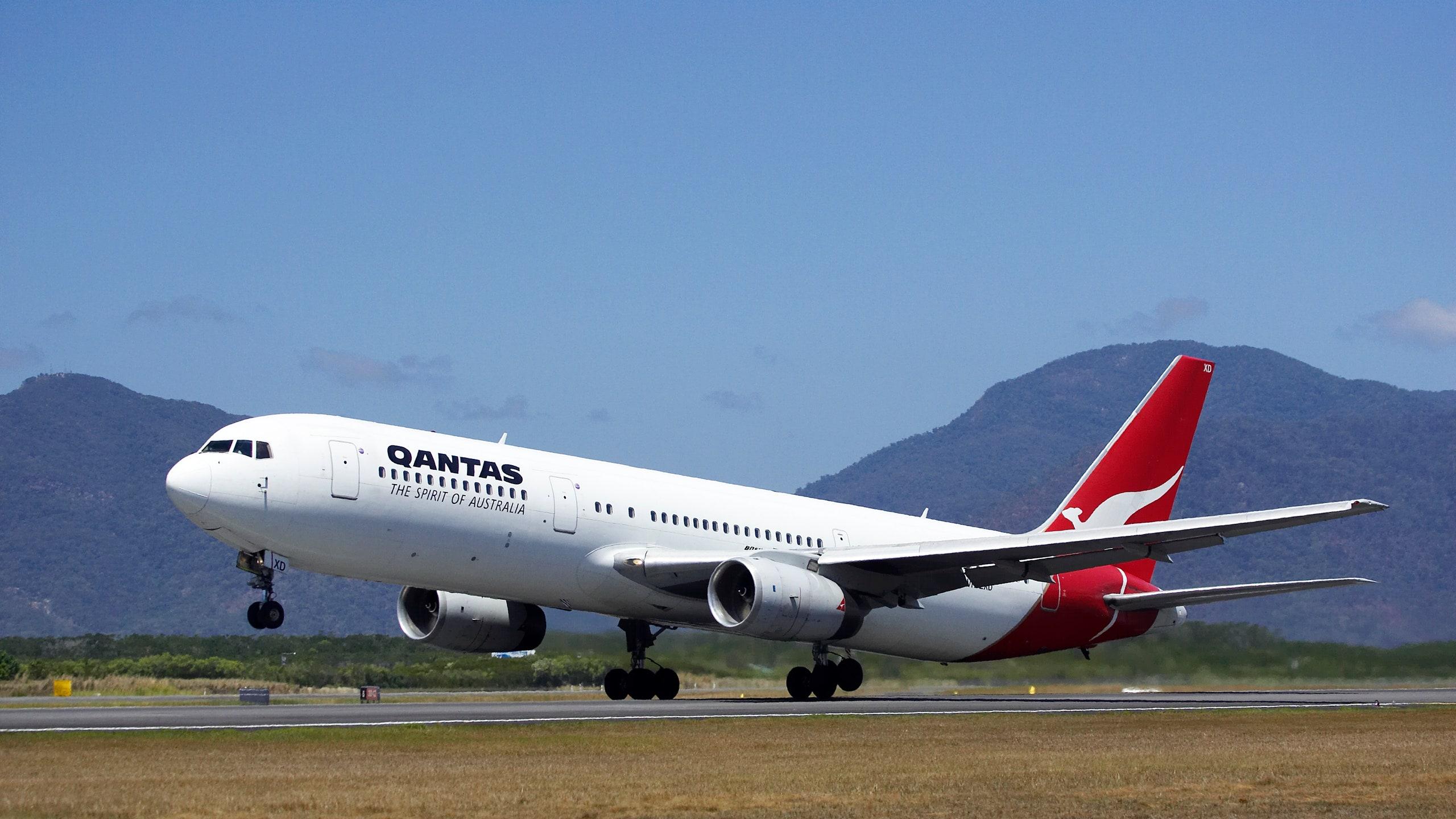 Qantas: 1st International flights sold out